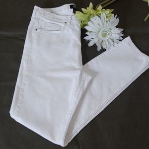 H & M Skinny white 5 pocket jeans